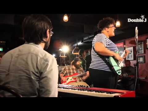 Alabama Shakes - This Feeling - live - Musical Chairs Double J