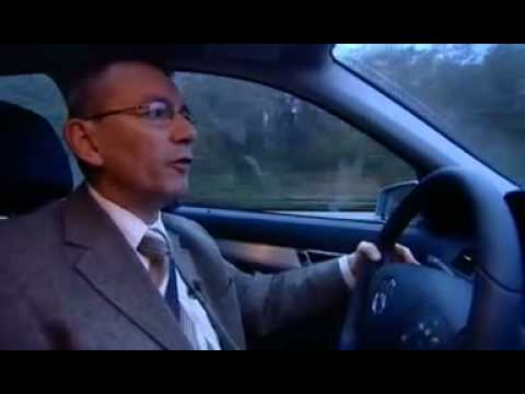 frank saboteert reportage over auto's